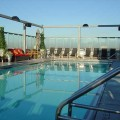329relax-on-rooftop-pool